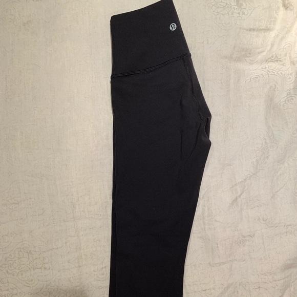 lululemon athletica Pants - Lululemon classic crop athletic leggings